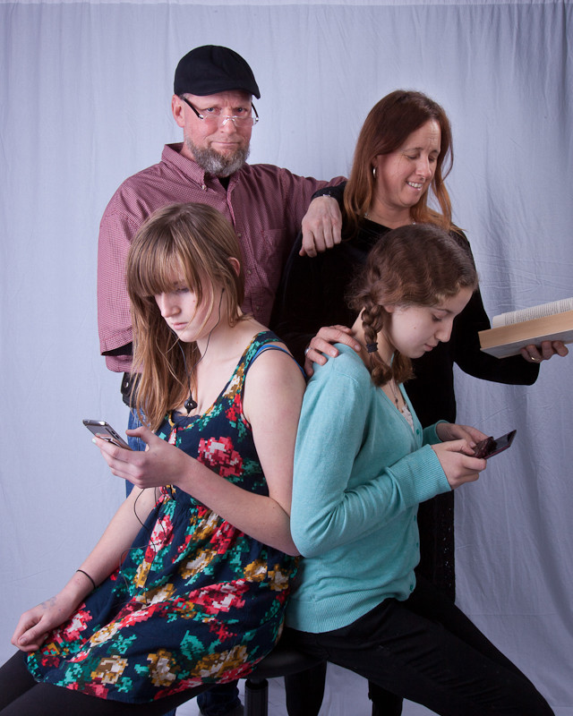 6594-b_Lawrence_family_portraits_120811